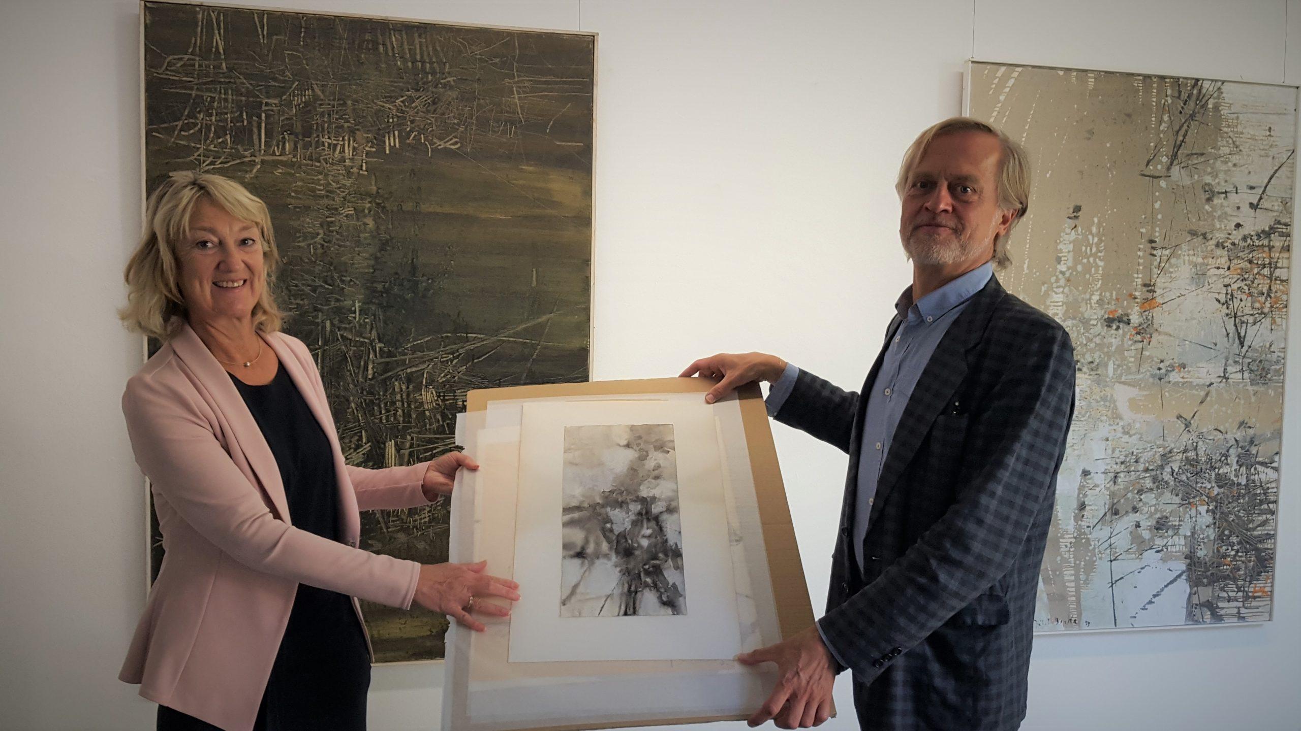 Der Kölner Sammler Adrian Croon hat dem Kunstmuseum Gelsenkirchen zwei Grafiken des Buerschen Künstlers Hubert Berke geschenkt.